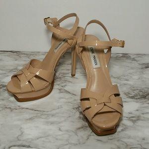 Steve Madden heel shoe